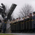 Оркестр у памятника спецназа